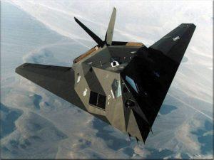 F117-Nighthawk-Stels-amerikanskiy-samolyotnevidimka