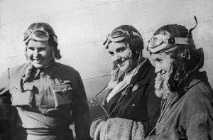Осипенко Полина, Гризодубова Валентина, Раскова Марина - летчицы, 1938 г.
