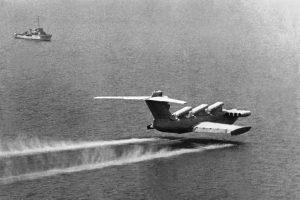 5.Ekranoplan-raketonosets-Lun.