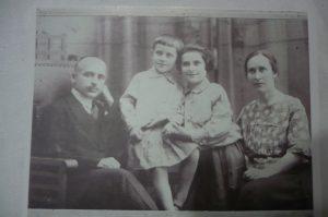 сын отца Иосифа-Гавррил (слева)