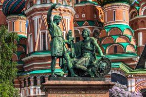Памятник_Минину_и_Пожарскому_в_Москве