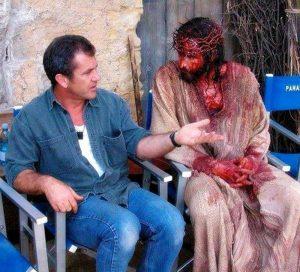 Mel-Gibson-y-James-Caviezel-La-Pasionde-Cristo-Empeliculados.co_